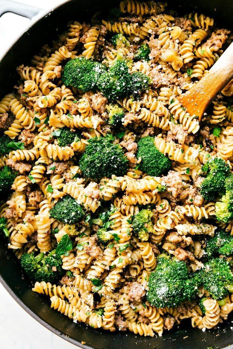 One-pan-broccoli-sausage